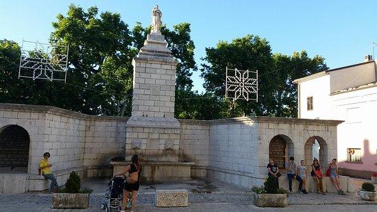 Frosolone, Italy: Fontana dell'Immacolata
