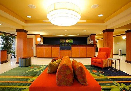 Fairfield Inn & Suites Melbourne Palm Bay/Viera: Registration Area