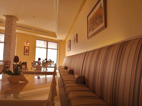Mosaic City Hotel: Restaurant
