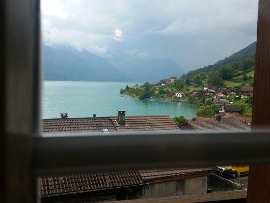 Oberried, Schweiz: Se veía el Brienzersee desde la habitación.