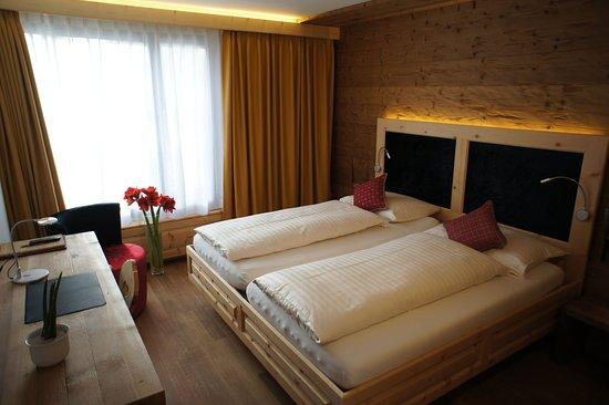 Hotel Nolda: Double room, sitting room, Miniba
