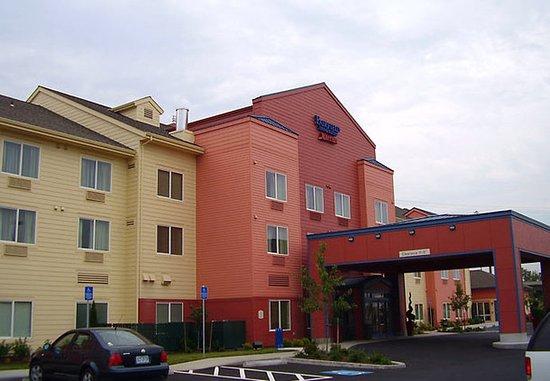 Fairfield Inn & Suites Portland North Harbour: Exterior