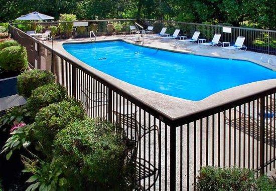 Fairfield Inn Amesbury: Outdoor Pool