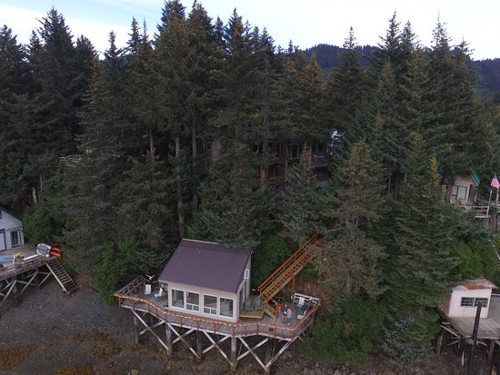 Seldovia B&B and Cabin Rental at low tide