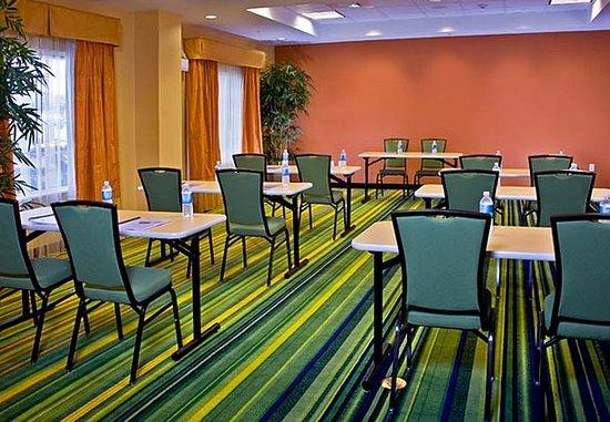 Fairfield Inn & Suites Lake City: Meeting Room