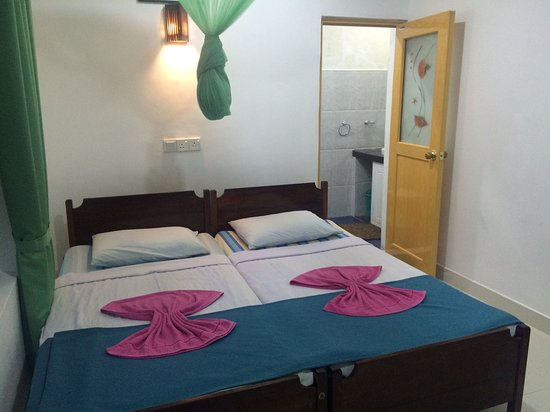 Green Woods Guest House : DOUBLE ROOM