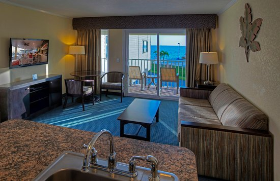 Good Sailport Waterfront Suites
