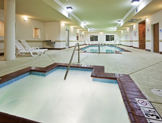 Holiday Inn Express Hotel & Suites Klamath Falls: Swimming Pool