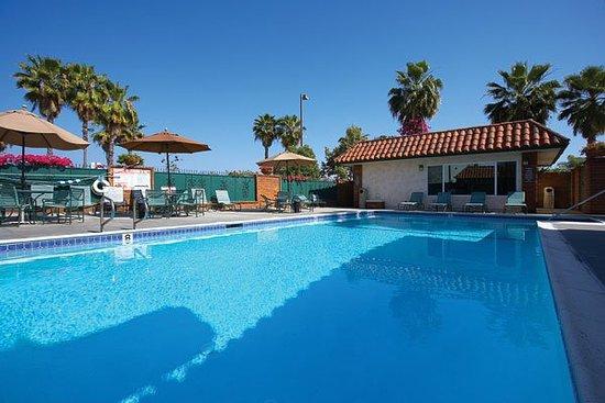 Laguna Hills, CA: Pool View