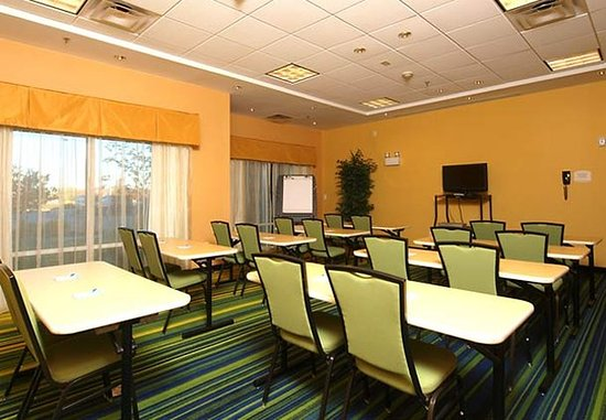 Fairfield Inn & Suites by Marriott Cookeville: Meeting Room