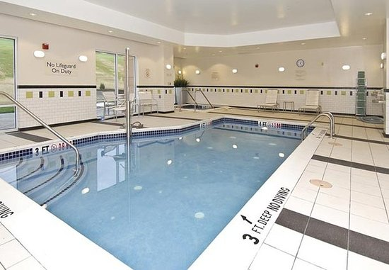 Bedford, بنسيلفانيا: Indoor Pool & Whirlpool