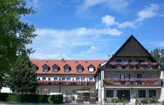 "Hotel-Gasthof ""Zum Bartl"""
