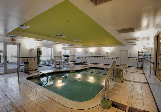 Fairfield Inn & Suites Auburn Opelika: Indoor Pool