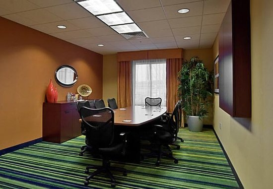 Fairfield Inn & Suites Auburn Opelika: Boardroom