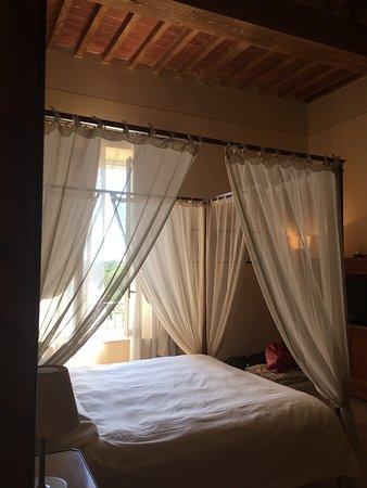 Relais Villa Grazianella - Fattoria del Cerro: photo1.jpg