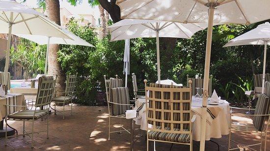 Prezzi picture of les jardins de la medina marrakech for Le jardin de la medina