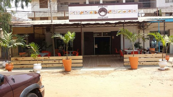 Fajara, Gambia: Attaya Cafe Outdoor Seating Area