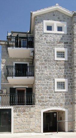 Villa Plazibat : Exterior