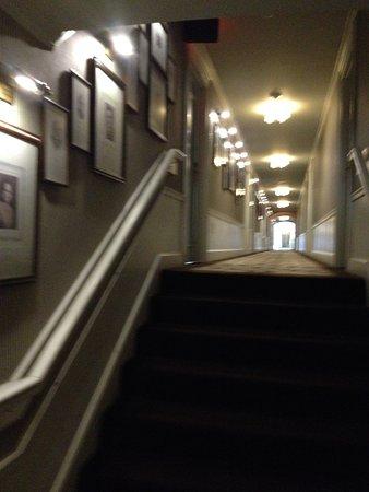 The Carolina Inn: Hallway with photo gallery