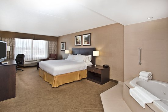 Holiday Inn Express Hotel Suites Kingston Relax In Our King Spa Suite