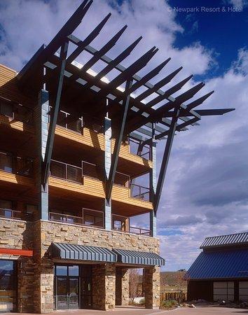 نيوبارك ريزورت آند هوتل: Newpark Hotel PlazaExterior (day)