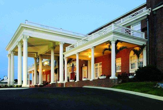 The Mimslyn Inn: Entrance