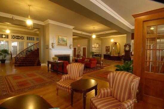 The Mimslyn Inn: Lobby