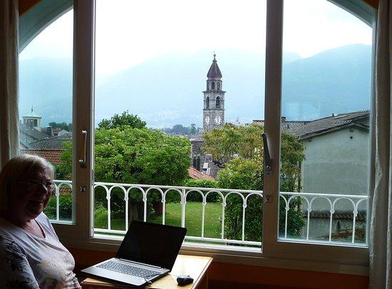 Art Hotel Riposo: Ausblick vom Zimmer über Ascona zum Lago