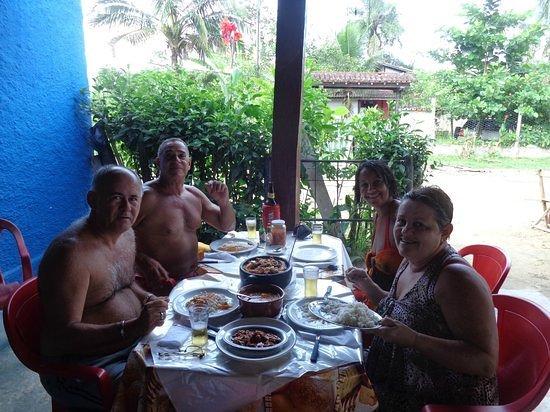 Restaurante & Lanchonete do Nonô: clientes  felizes