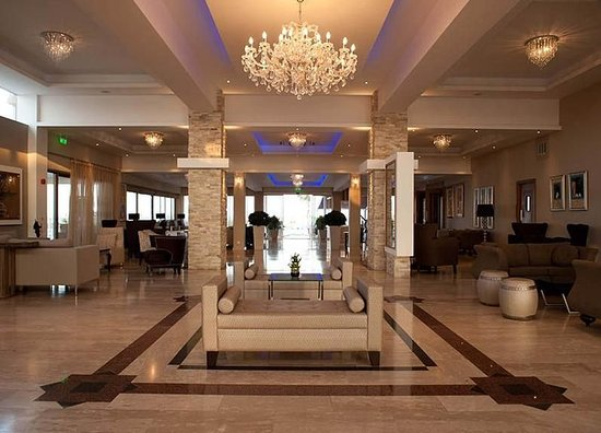 Asterias Beach Hotel: Lounge
