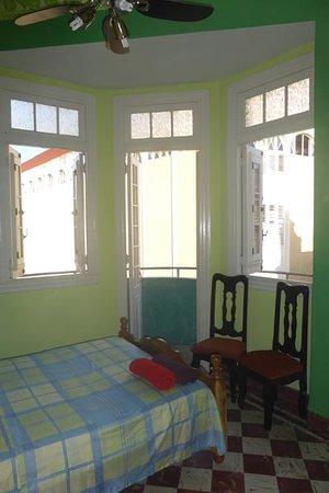 Carlos Luis Valderrama More: Habitación 1 - Apartamento Independiente