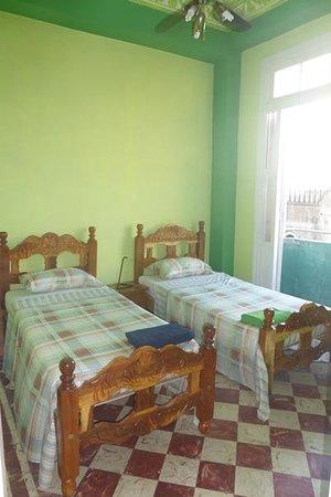 Carlos Luis Valderrama More: Habitación 2 - Apartamento Independiente