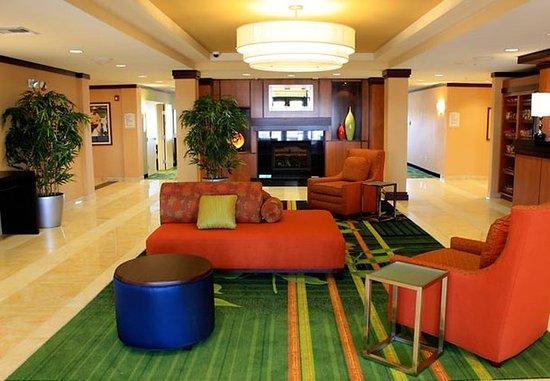 Fairfield Inn & Suites Colorado Springs North/Air Force Academy: Lobby