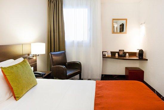 Gradignan, Francia: Guest Room