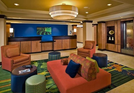 Fairfield Inn & Suites Weatherford: Lobby