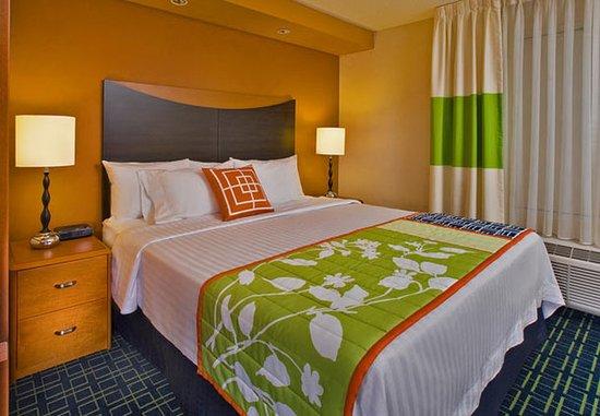 Fairfield Inn & Suites Weatherford: Guest Room