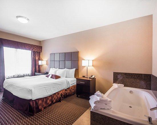 Comfort Suites Kelowna: Guest Room