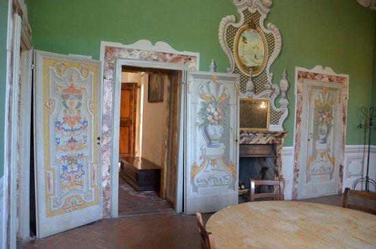 Castello di Meleto: de salons