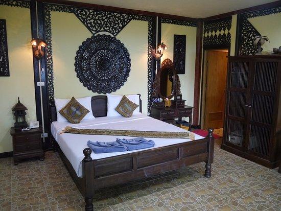 Phi Phi Paradise Pearl Resort Photo