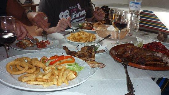 Athens Greek Restaurant & Steakhouse: buon appetit