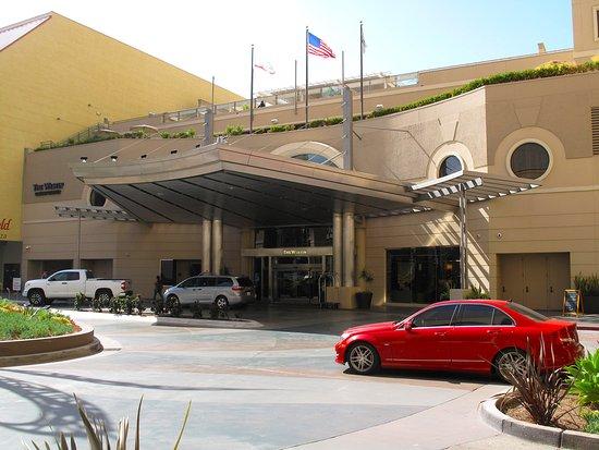 The Westin San Diego Gaslamp Quarter: Valet Parking