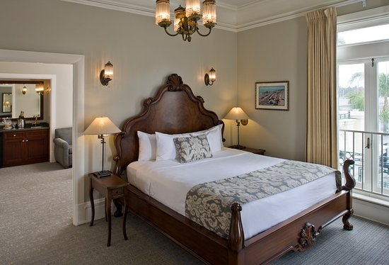 Glorietta Bay Inn: Spreckels Suite Bedroom