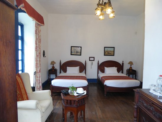 Hacienda Pinsaqui: First Room on the Left - Cozy & Comfortable