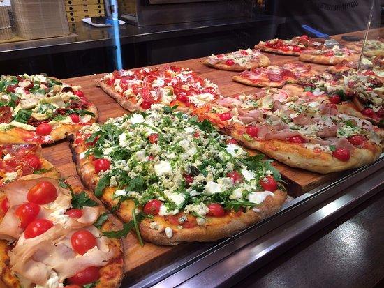 Hotel Santa Maria: Yummy cafes and restaurants!