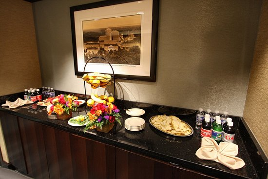 Bethesda, MD: In Room Food Service Area