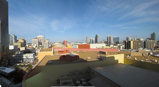 The Westin San Diego Gaslamp Quarter: Room View Toward Downtown
