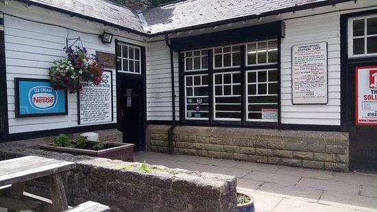 Grindleford, UK: Outside the Cafe