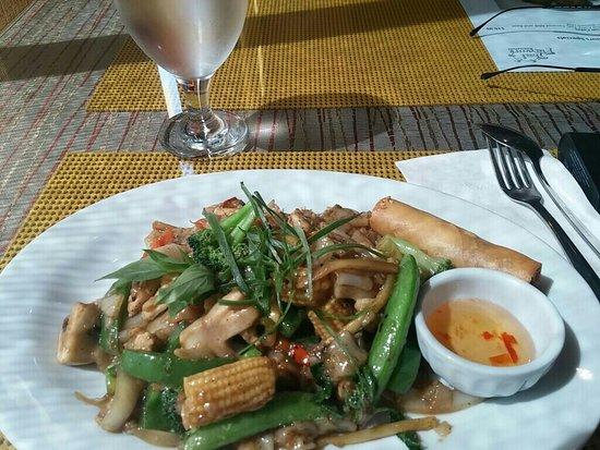Thai Flavours: 8b53a814-bea3-45ad-ace3-7b9c55c9f6e7_large.jpg