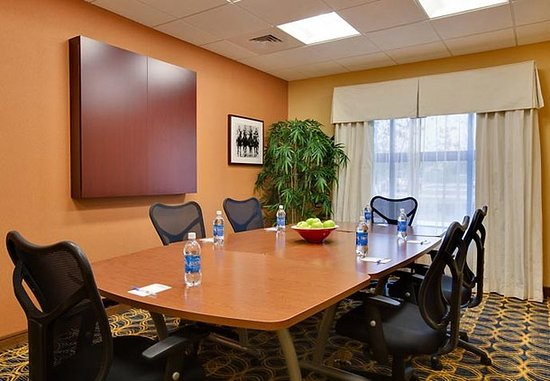 Fairfield Inn & Suites South Bend at Notre Dame: Boardroom