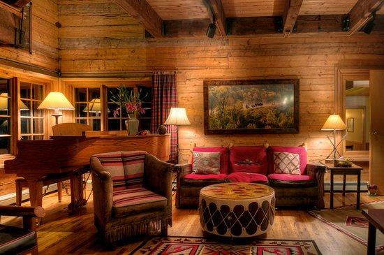 Clark, CO: Lodge Living Room